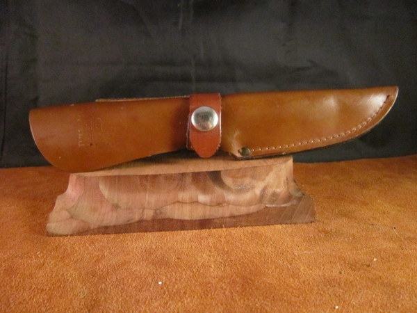 Mint Precise Deerslayer Ltd knife in leather sheath