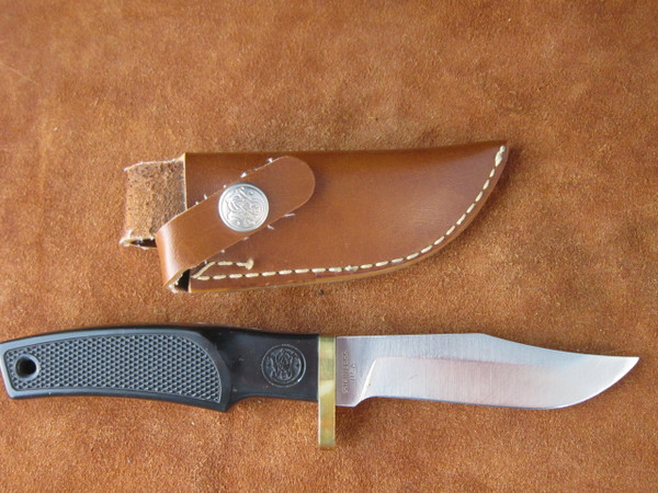 S&W American Series model 6083 knife and sheath