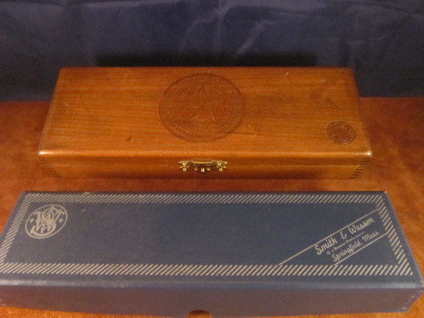 1973 S&W Commerative Texas Ranger Knife #9545