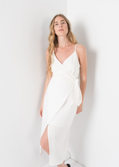 Linen Knotted Dress in White, Belted