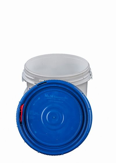 LIFE LATCH® NEW GENERATION 1.25 GALLON PLASTIC PAIL WITH BLUE SCREW TOP LID