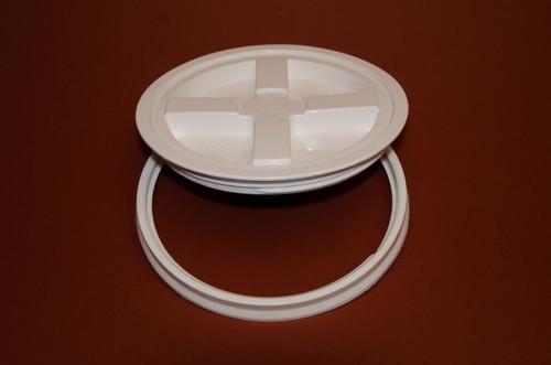 2 Gallon Gamma Seal™ Plastic Pail Lid - White