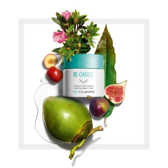A nighttime herbal tea that refreshes, plumps, and recharges the skin so you wake up looking beautiful!  A relaxing scent that's soothing for the skin and softly tucks it into bed. Your skin is replenished with water.  Velvety smooth, refreshed, supple, soft and plumped... Your skin is more beautiful in the morning. Eliminates the day's pollutants and toxins Recharges your skin's batteries with a huge dose of hydration and wellbeing