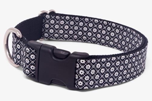 Black & White Daisy Chain Dog Collar
