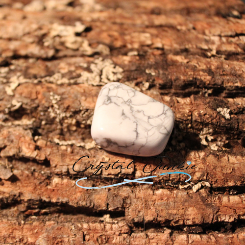 This stone looks marbleized; it's white with gray swirled within it. White Howlite is magnificent for focus! It is perfect for studying or learning and keeps you on task. It calms a person to be grounded and have a better understanding of the present moment. It is made of calcium borosilicate hydroxide, which gives it its marbleized color. You will find that some Howlite is dyed a bright blue or pink to open up a person's senses to color. All are powerful, but the white or cream color is natural. Stone is chosen, spiritually cleansed and package with an abundance of gratitude and high vibe positive energy. Copyright © DeMarco,J. (2019) High Vibes Crystal Healing. Florida: Llewellyn Publishing Stone is carefully chosen, spiritually cleansed and packaged with an abundance of gratitude and high vibe positive energy.