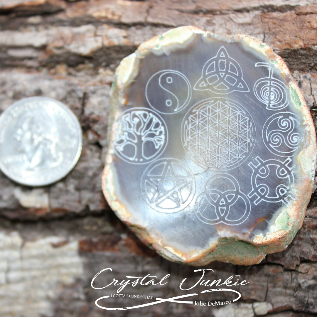 agate-quarter-etched.png