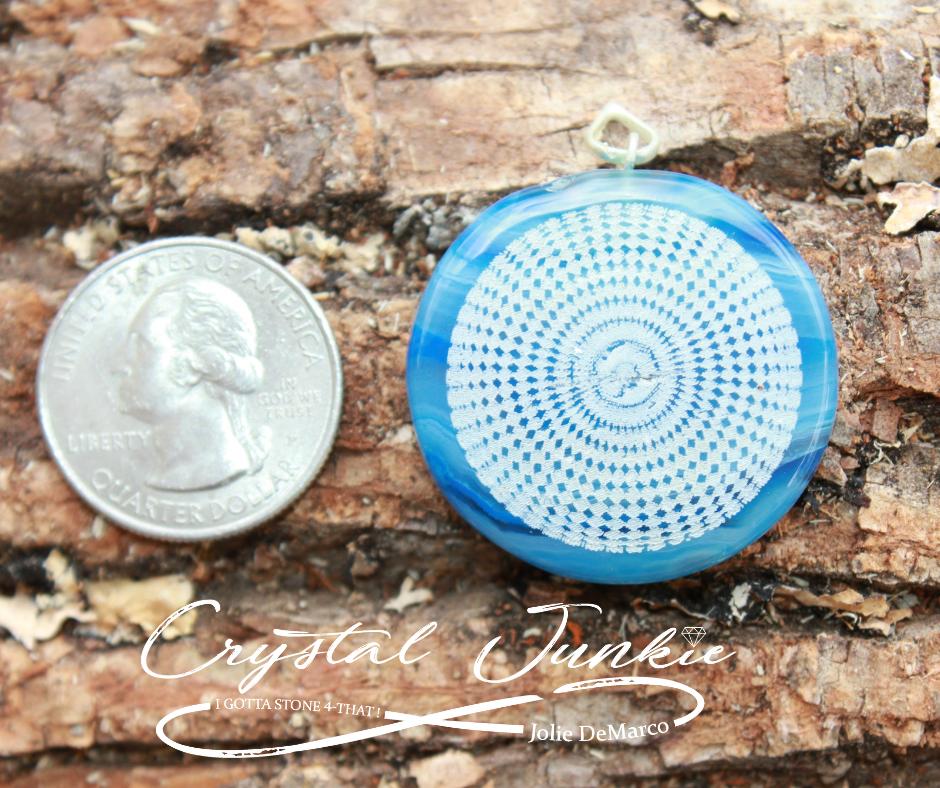 blue-lace-agate-quarter.png