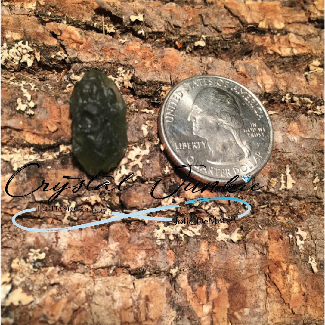 moldavite-quarter.jpg