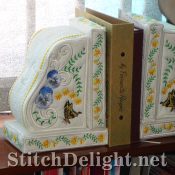 SD1143 Pansy Bookends
