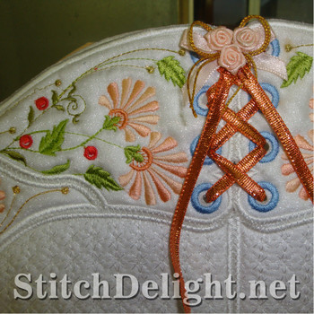 SD0833 Pearls and Flowers Tote Bag