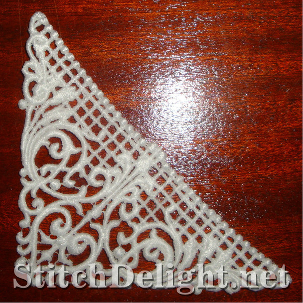 SD0932 Freestanding Lace Corner 9