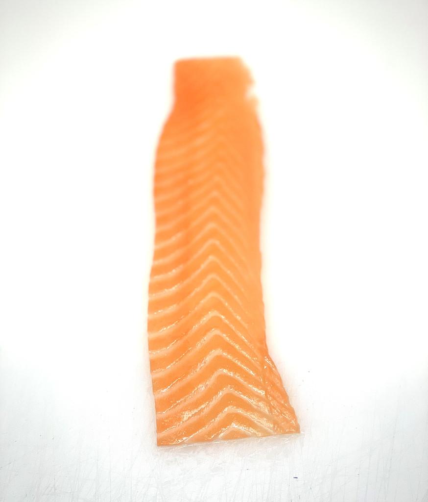 Premium long sliced smoked salmon