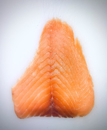 Cold smoked salmon D-sliced