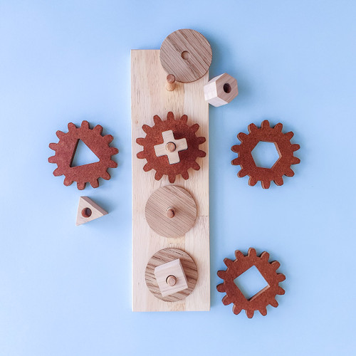 Q Toys Handmade Natural Wooden Gear Puzzle for Endless Play Collective