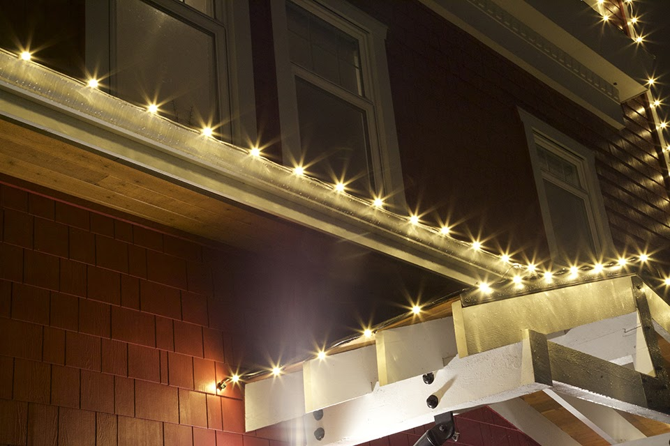 How to Sell Christmas Light Installation Services to Clients