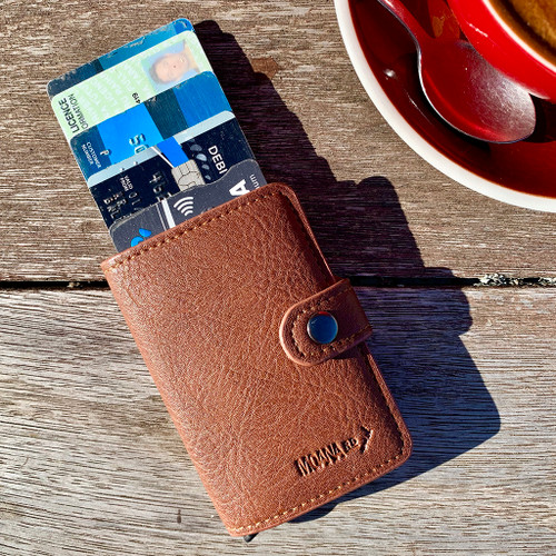 Men's pop up wallet from Moana Rd.