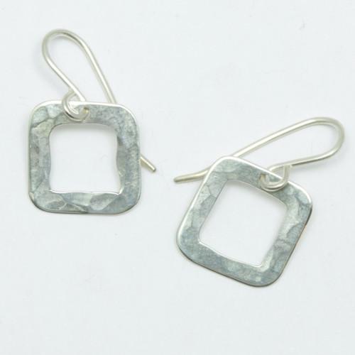 Small pirori hoop earrings, pure silver, Justin Ferguson, made in NZ