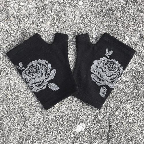 Short merino fingerless gloves, rose print, Kate Watts, black,