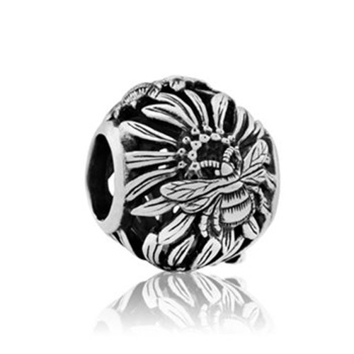 Sterling silver bumble bee charm from Evolve New Zealand.