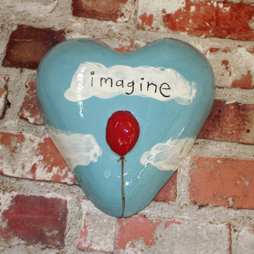 Small ceramic imagine heart from The Monster Company. Made in NZ.