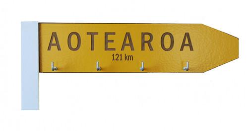 give me a sign key holder, ian blackwell, key holder, made in NZ, kiwiana, aotearoa,