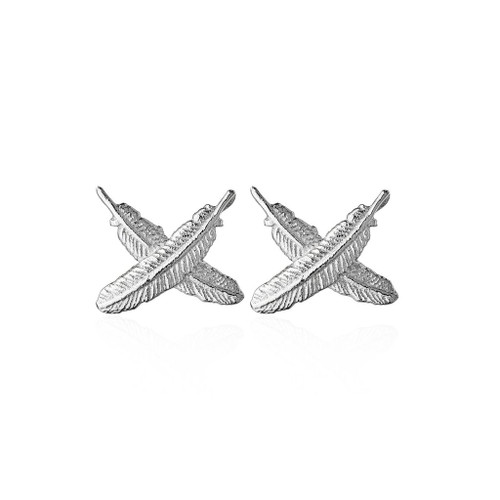 feather kisses studs, sterling silver, Boh Runga, made in NZ.