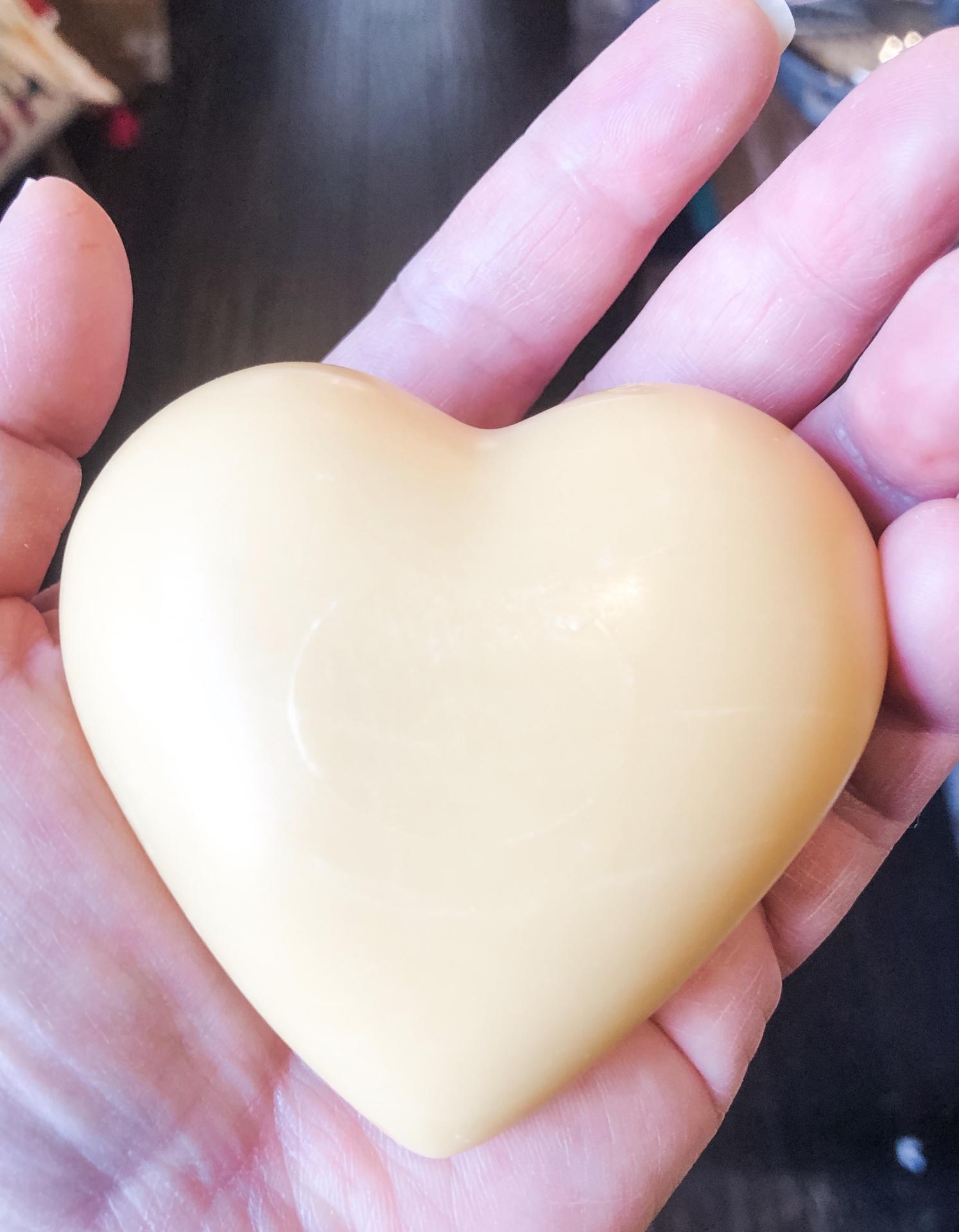 La Lavande Heart Soap--CHOOSE SCENT/COLOR