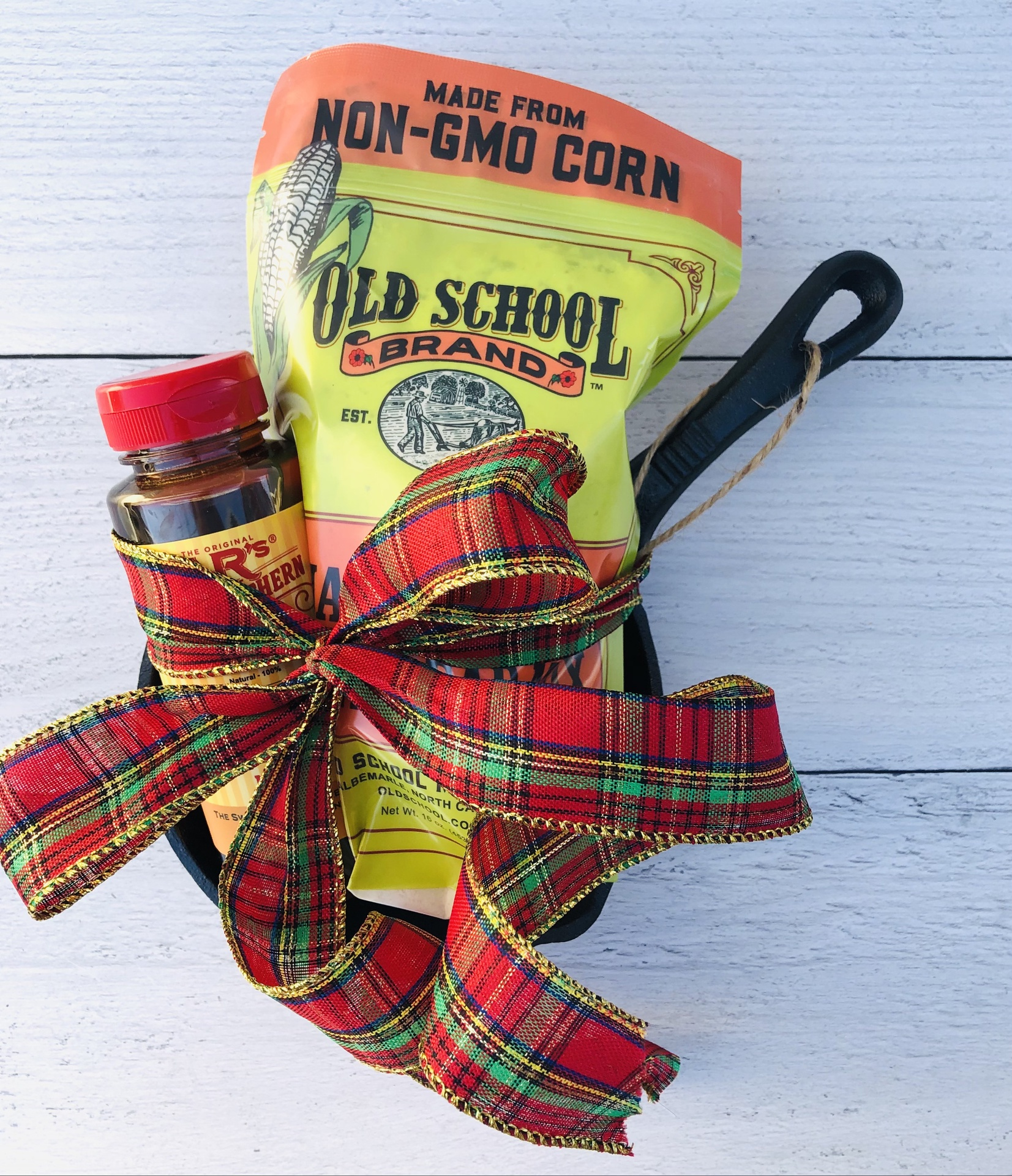 Mini Skillet & Cornbread Gift Set