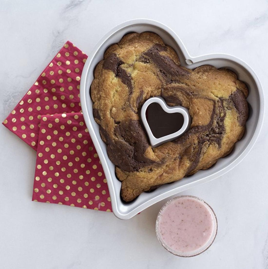 Elegant Heart Bundt Pan, 10 cup