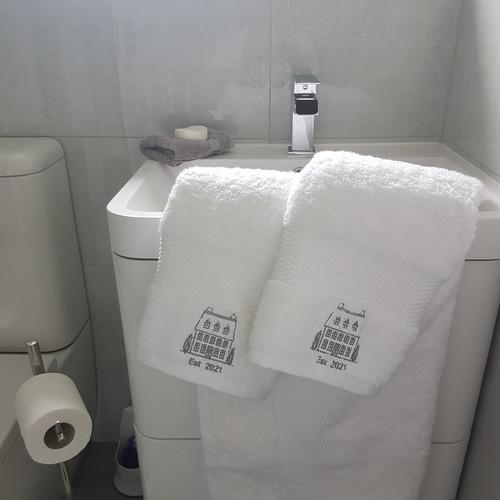Moving House Towel Set