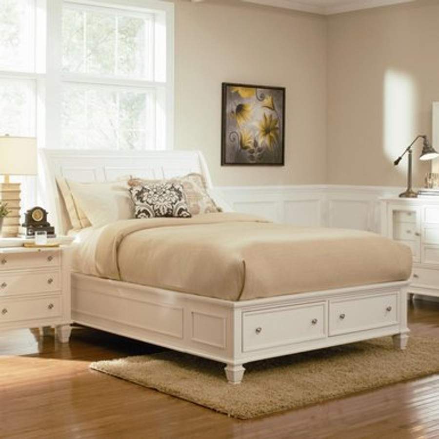 . Sandy Beach Queen White Sleigh Bed