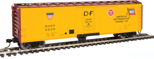Walthers Ho 50' PC&F Insulated Boxcar - Ready to Run -- American Refrigerator Transit