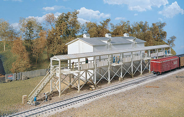 HO Walthers Cornerstone Icehouse and Platform KIT 933-3049