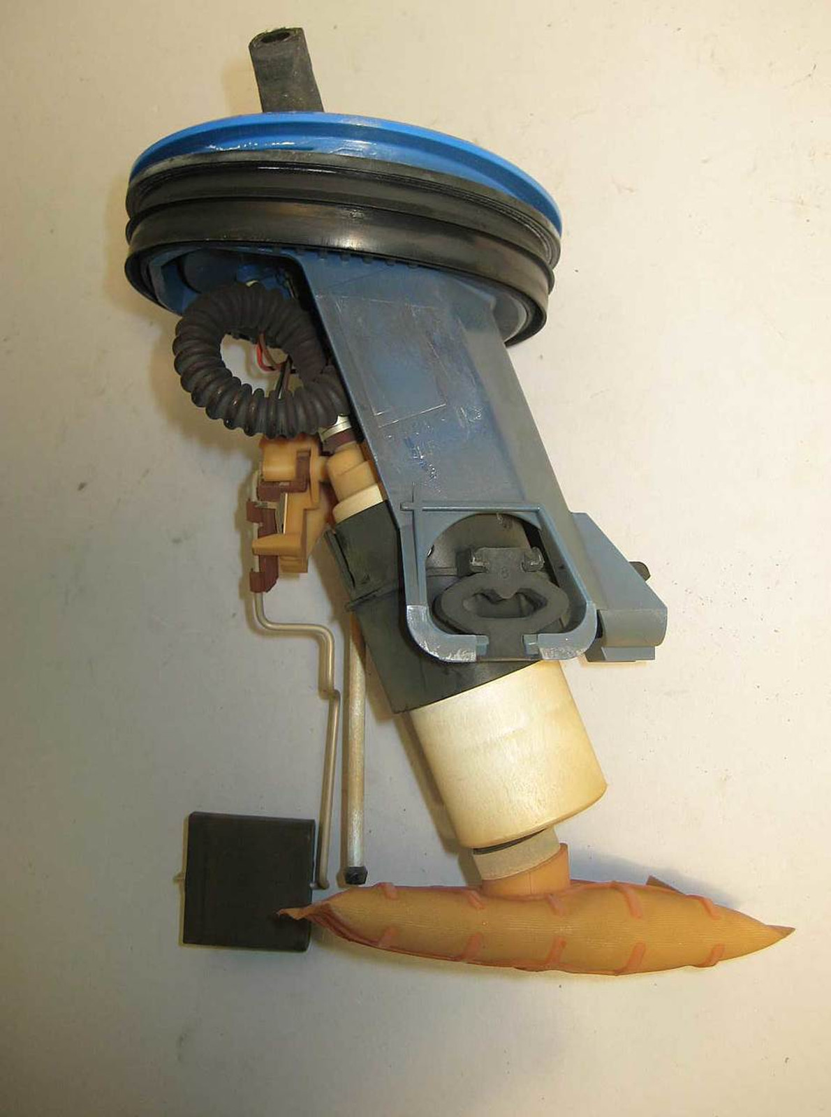 BMW E36 3-Series Late Model Fuel Delivery In-Tank Pump 1995-1999 VDO