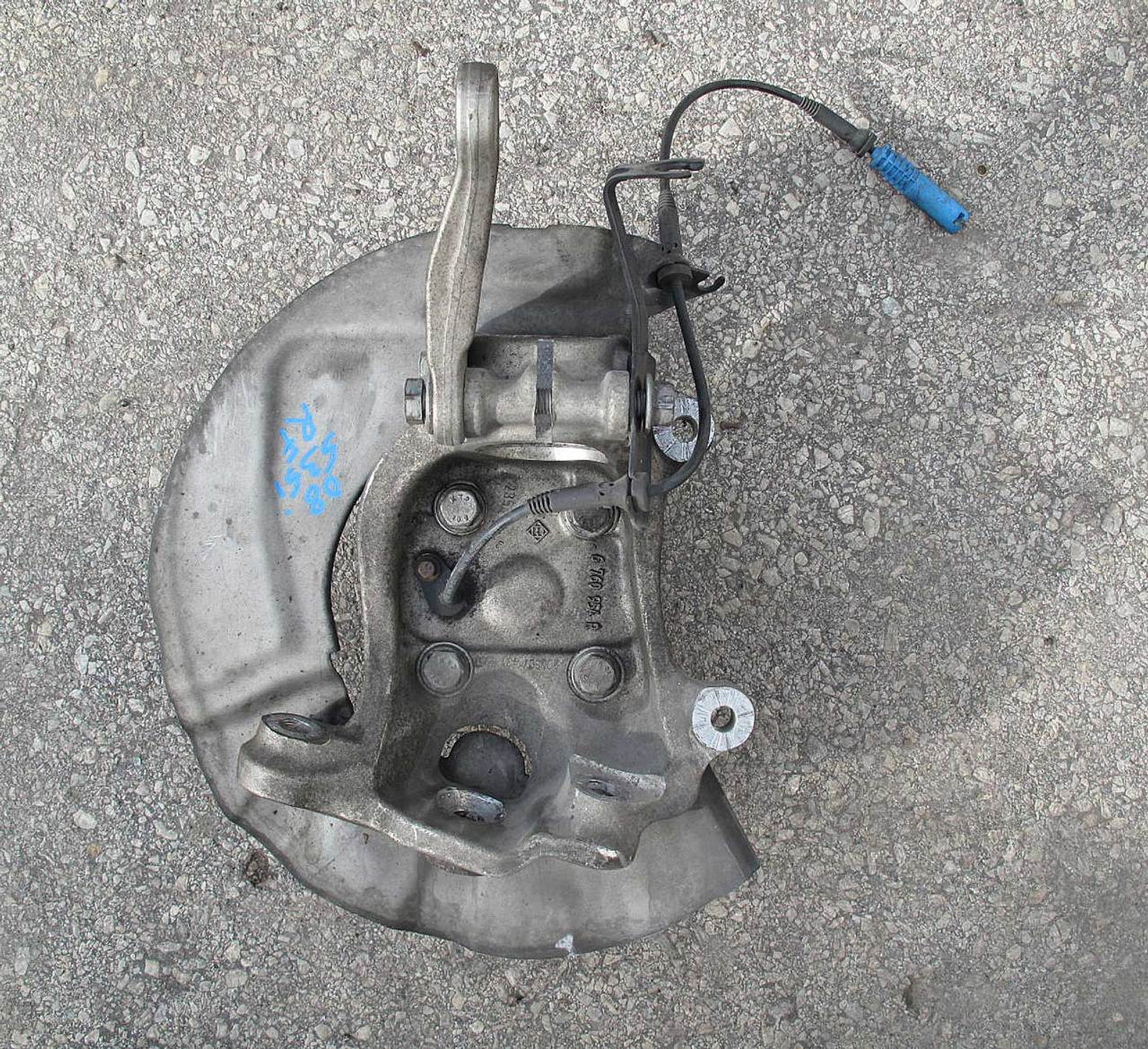 BMW E60 5-Series Sedan Right Front Wheel Hub Steering