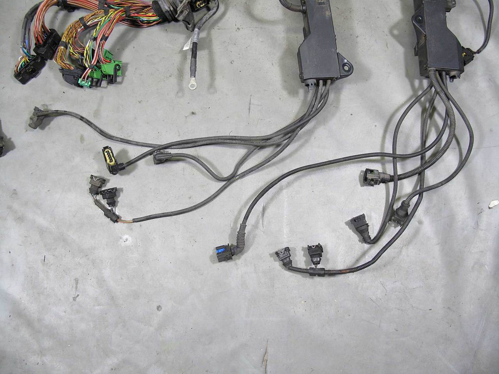 bmw e65 e66 745i 745il n62 v8 engine wiring harness w broken connector 2002 2003  wire harness connectors for 2002 bmw #15