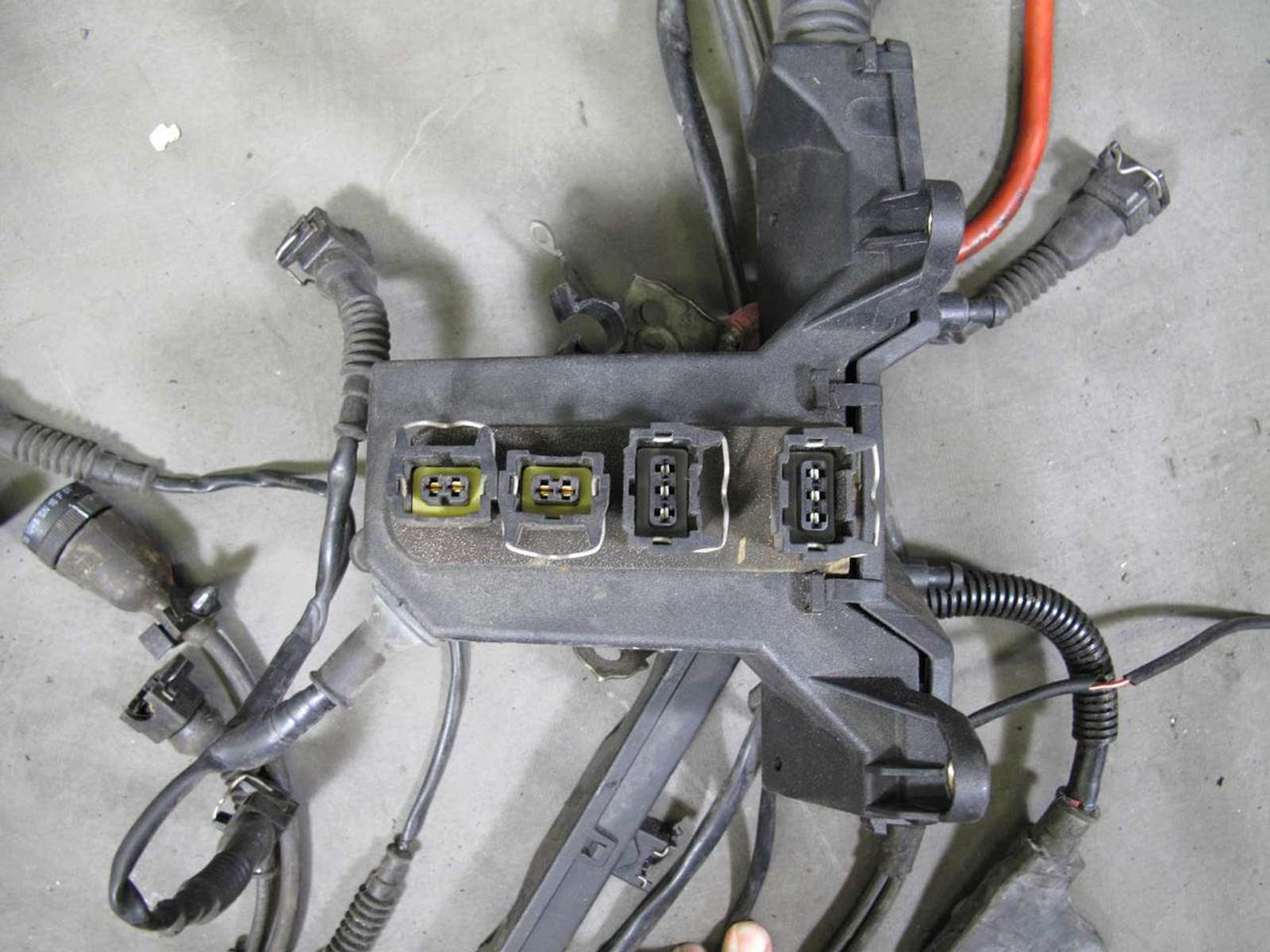 1995 BMW E36 318i M42 4-Cylinder Engine Wiring Harness for Auto Trans OE  USED - Prussian MotorsPrussian Motors