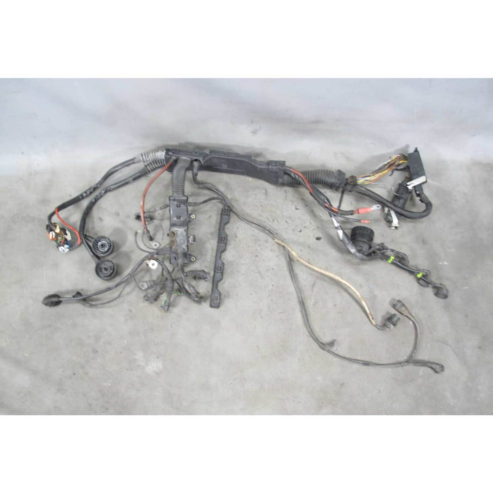 1992-1993 BMW E36 318i 318is M42 4-Cyl Engine Wiring Harness for Auto Trans  USED - Prussian MotorsPrussian Motors