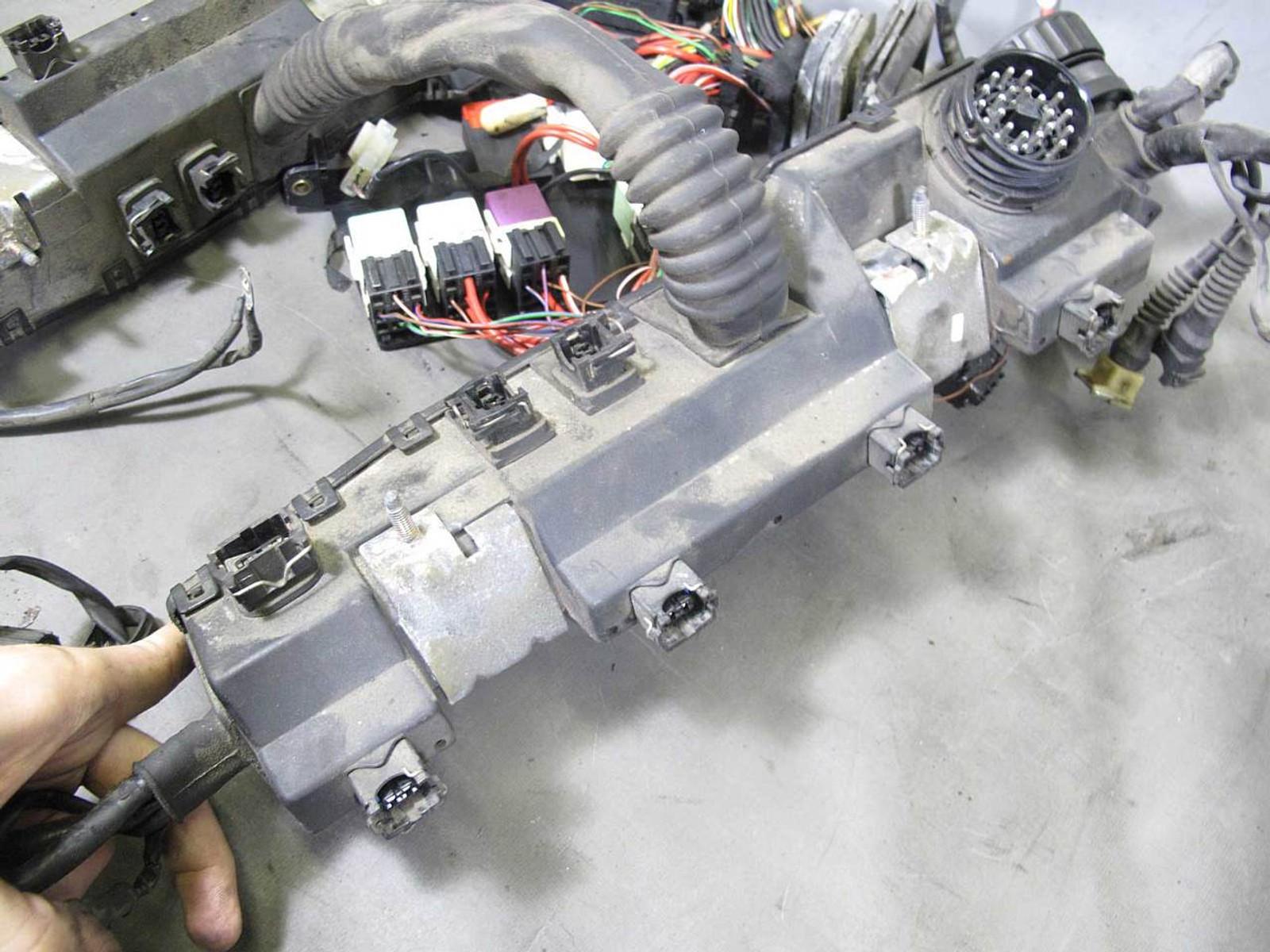 1994-1995 BMW E34 530i 540i M60 V8 Engine Wiring Harness for Manual  Transmission - 16051 - Prussian MotorsPrussian Motors