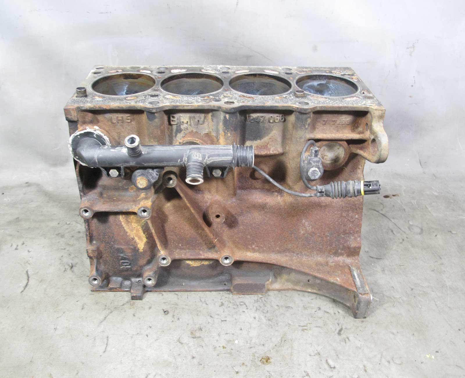 1993-1995 BMW E36 318i M42 Early 4-Cylinder Engine Housing Cylinder Block  OEM - 22940