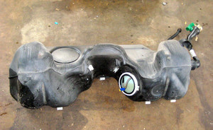 2003-2005 BMW E85 2.5i 3.0i Z4 Roadster Fuel Gas Tank w Fill Spout OEM - 3116