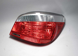 BMW E60 5-Series Sedan Early Right Rear Tail Light White 2004-2007 USED OEM - 8091