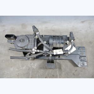 2009-2013 BMW E90 E70 35d M57 Diesel Exhaust Fluid SCR Transfer Pump w Bracket - 30588