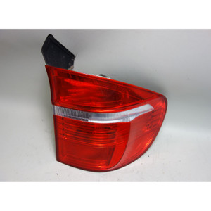 Damaged 2007-2010 BMW E70 X5 SAV Factory Right Rear Outer Tail Light Lamp OEM - 30939