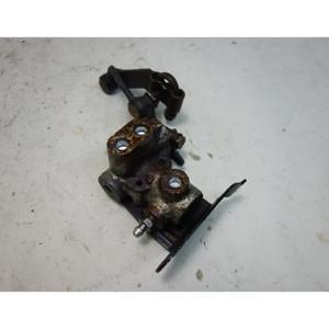 Damaged BMW E38 7-Series Factory Rear Self-Leveling SLS Hydraulic Regulator - 33307