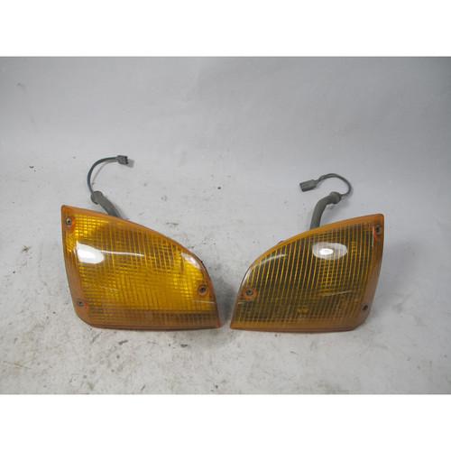 1983-1987 BMW E23 733i 735i Front Corner Marker Turn Signal Indicator Pair OEM - 25903