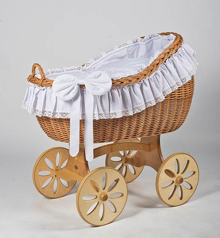 MJ Mark Bianca Uno - Antique White - Spoke Wheels - Wicker Crib
