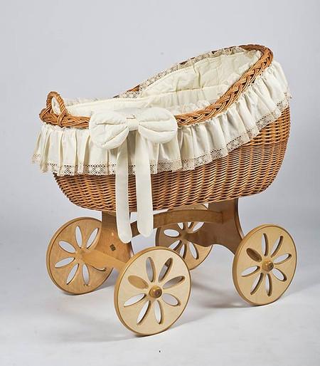 MJ Mark Bianca Uno - Antique Cream - Spoke Wheels - Wicker Crib