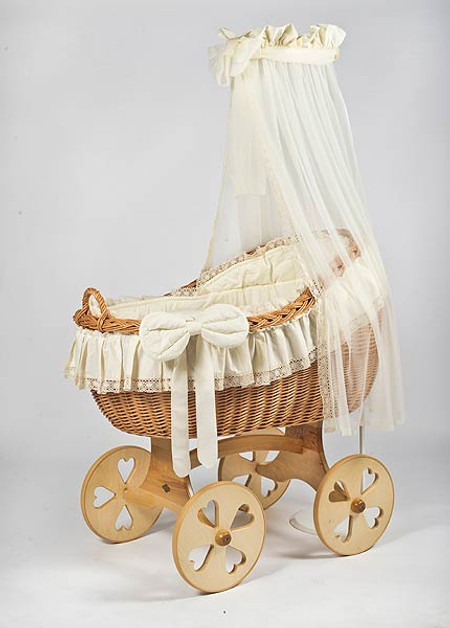 MJ Mark Bianca Uno - Antique Cream - Heart Wheels - Wicker Crib