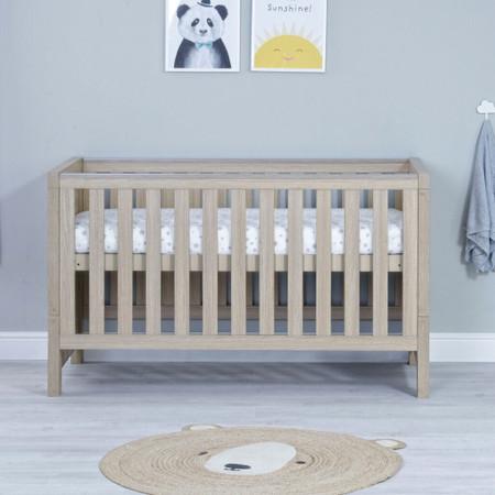 Babymore Luno Cot Bed - Oak